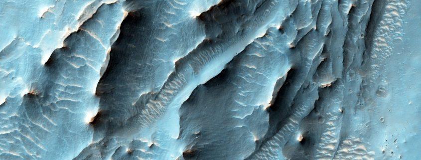 mars-mro-orbiter-gale-crater-hirise-esp_043961_1740-pia20167-full