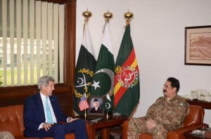 John Kerry in a photo op with Pakistan's Army Chief Raheel Sharif. (ISPR photo)