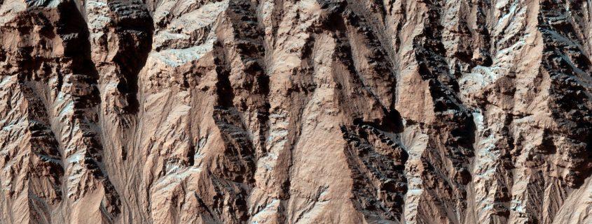 mro-hirise-mars-gullies-changes-pia18538-full