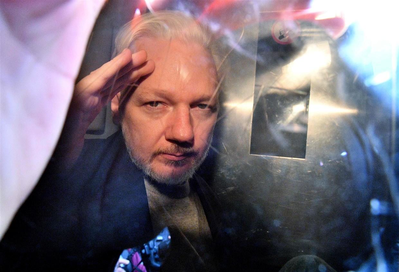 How the Wyden/Khanna Espionage Act Fix Works (But Not for Julian Assange)